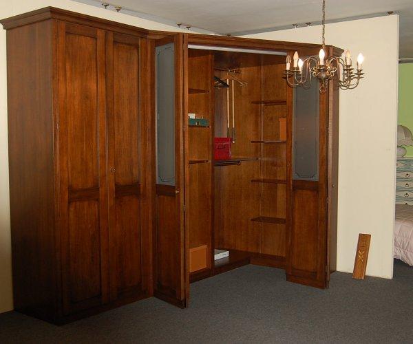 Cabina armadio classica - Camere da letto con cabina armadio angolare ...