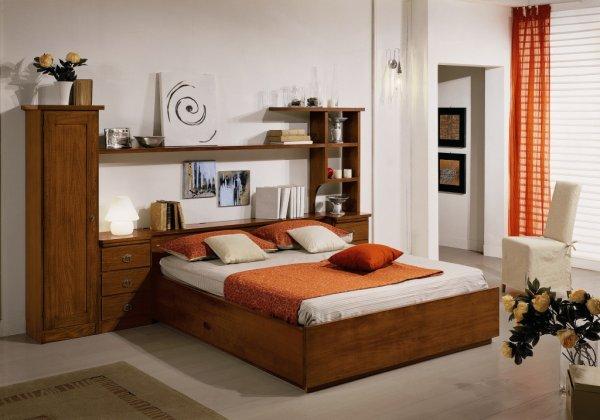 La camera classica in legno massello