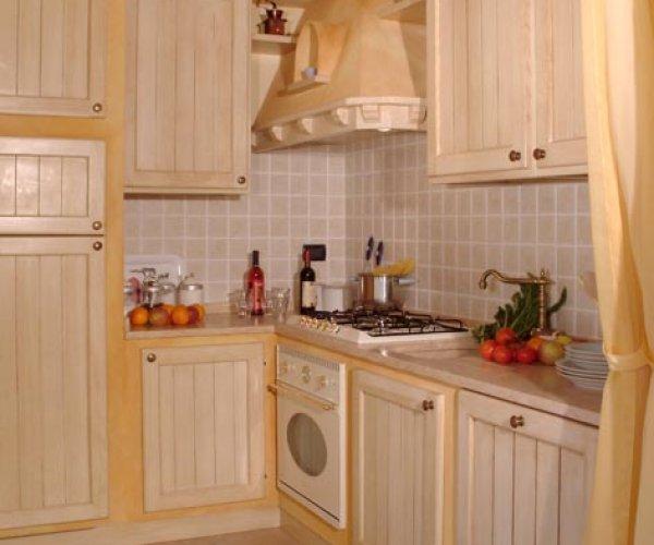 la cucina in muratura realizzata su misura e si adatta a ...